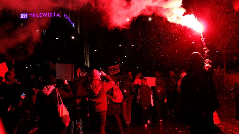 protest przed TVP