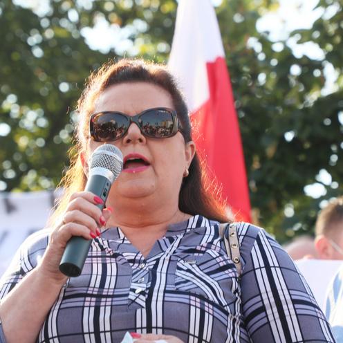 Renata Beger na proteście pod siedzibą PiS