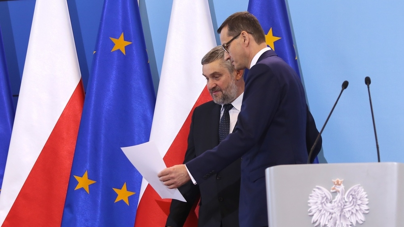 Rząd szuka oszczędności w resortach. Chodzi o środki na tzw. piątkę Kaczyńskiego?