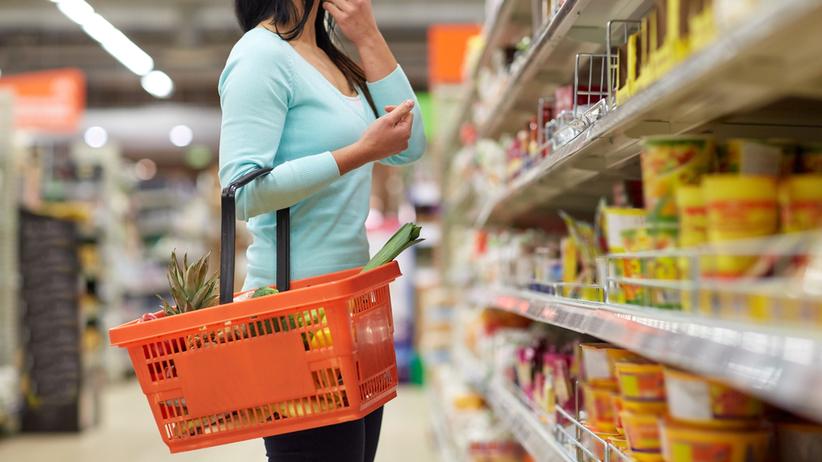 Sondaż IBRIS dla Radia ZET: aż 70 proc. robi zakupy weekendowe w dyskontach i hipermarketach. Zakaz handlu uderza w osiedlowe sklepy