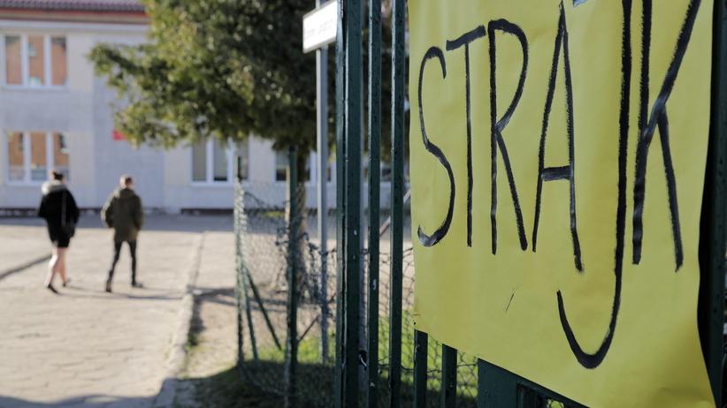 49 proc. Polaków przeciw strajkowi nauczycieli