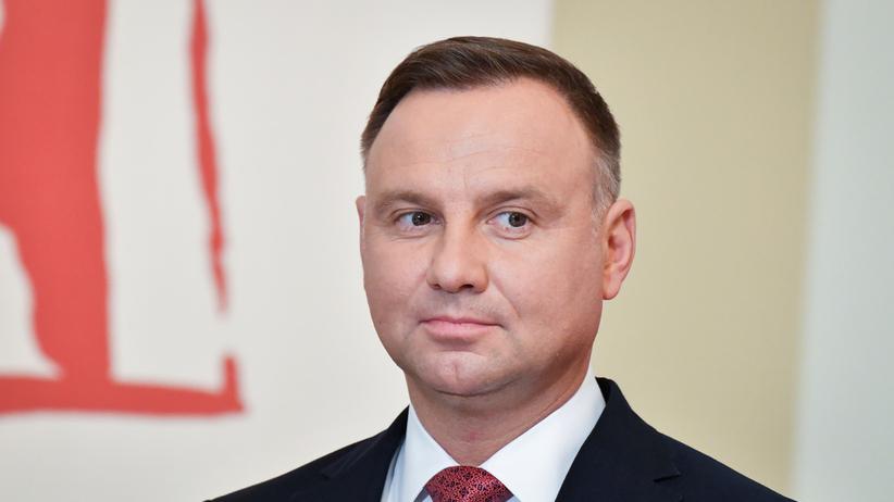 Sondaż. Jak Polacy oceniają Andrzeja Dudę i Mateusza Morawieckiego?