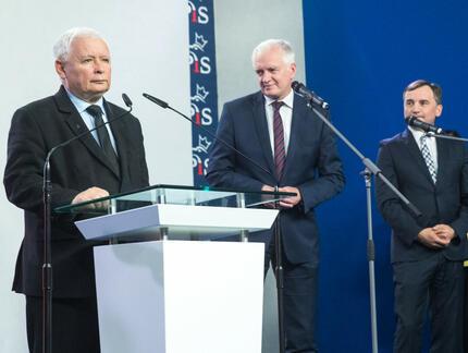 Zjednoczona Prawica przetrwa do końca kadencji? Polacy podzieleni w sondażu