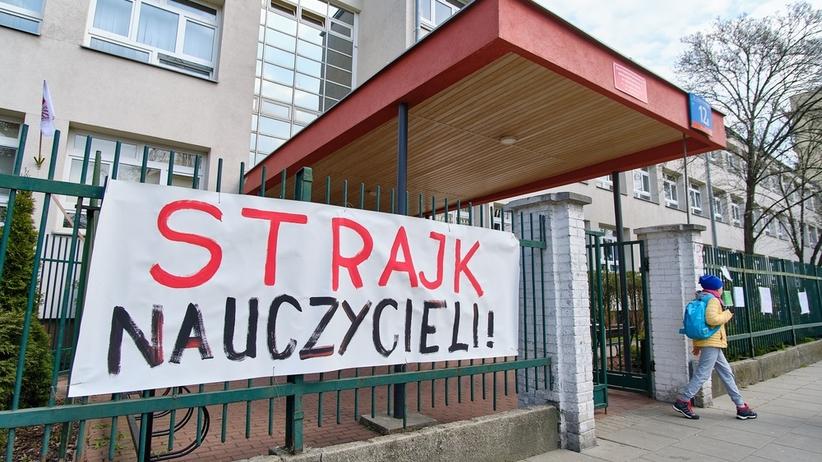 """Świat murem za polskimi nauczycielami. """"Solidarność ze strajkującymi w Polsce"""""""
