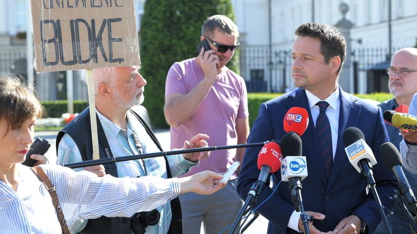 Incydent na konferencji Trzaskowskiego