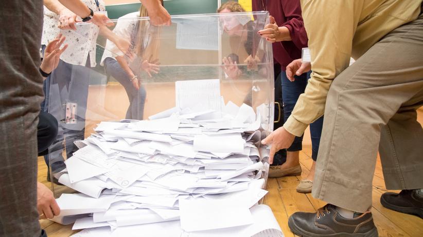 KO również zażąda ponownego przeliczenia głosów. Chodzi o 2 lub 3 okręgi