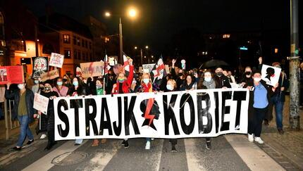 Wyrok ws. aborcji. Polki i Polacy przeciwni decyzji Trybunału