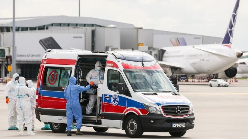 Polska wysłała kolejny samolot po dyplomatę do Indii