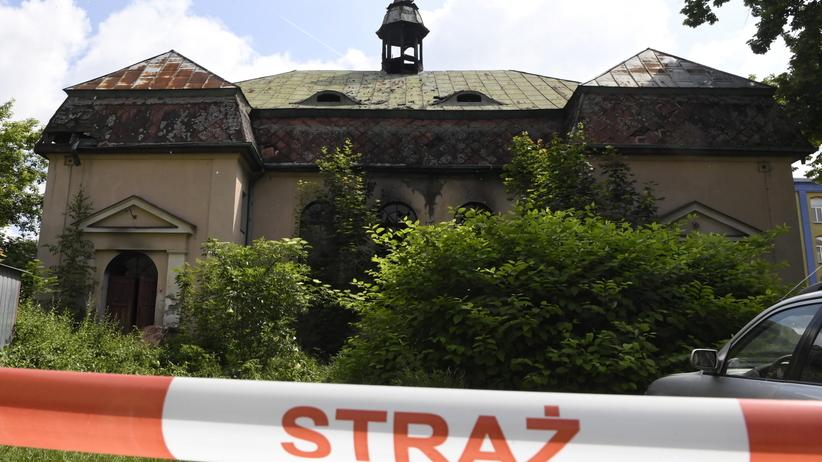Pożar starego kościoła w Łodzi. Nie żyje 50-latek