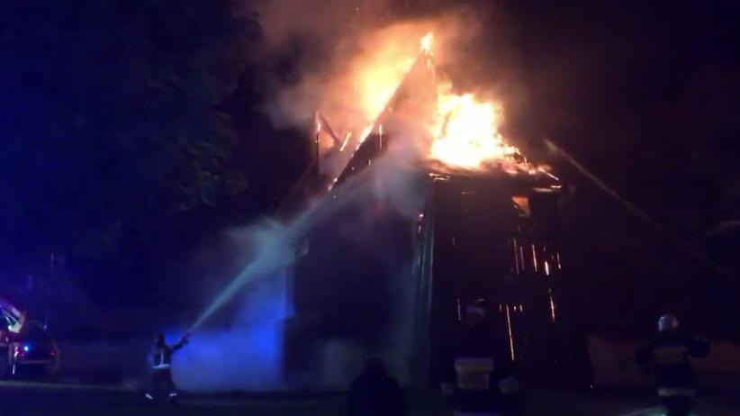 Pożar zabytkowego kościoła. Kilkanaście zastępów straży pożarnej na miejscu