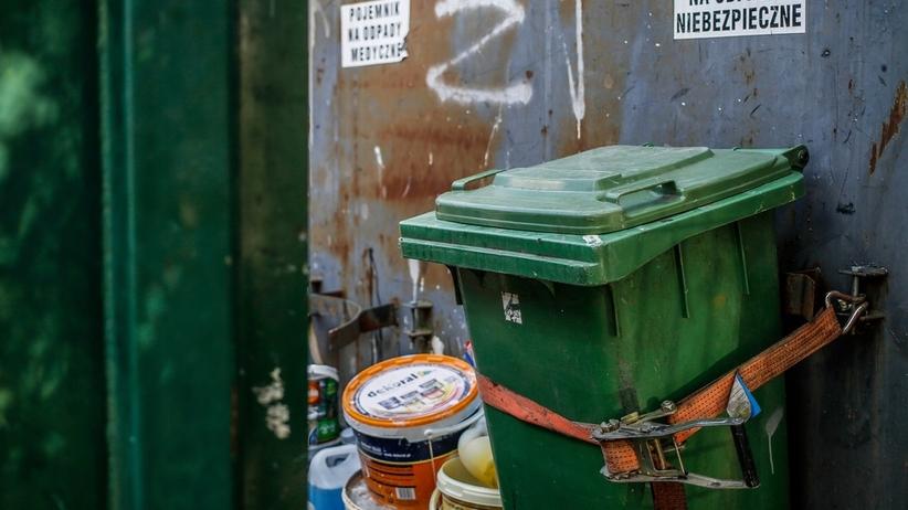 Śmieciowi oszuści namierzeni. Brali pieniądze, zostawiali ekologiczne bomby. Grozi im więzienie