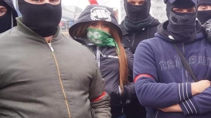 """""""Takim rozwalam łeb o krawężnik"""". Bulwersujący, rasistowski atak działaczki ONR"""