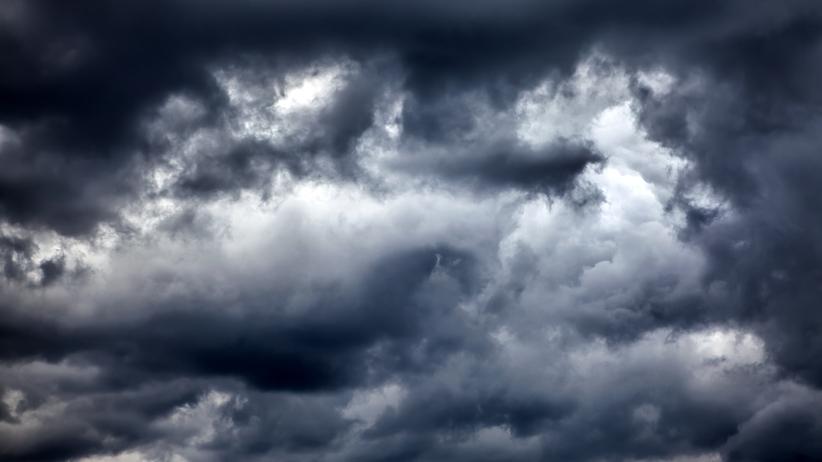 Gwałtowne burze, zachmurzenie i duże opady. Pogoda w środę
