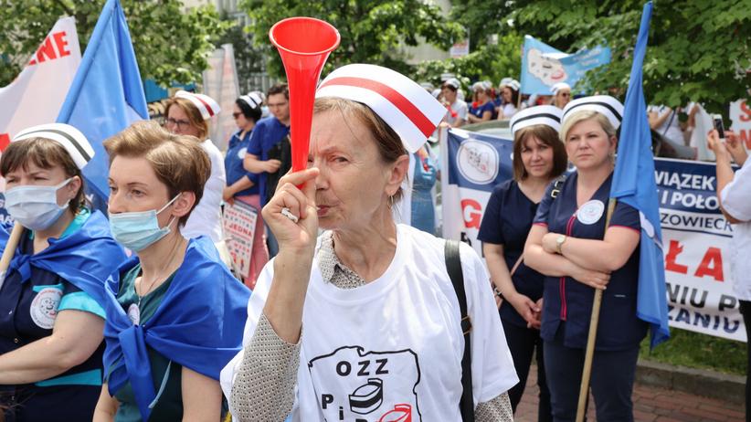 protest pielęgniarek i położnych