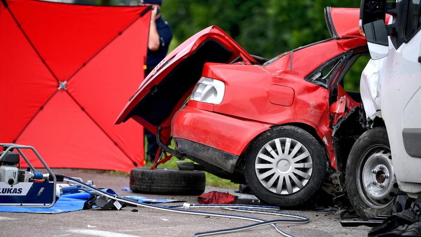 Tragiczny wypadek na ekspresowej S3. Nie żyją matka i 9-letnia córka