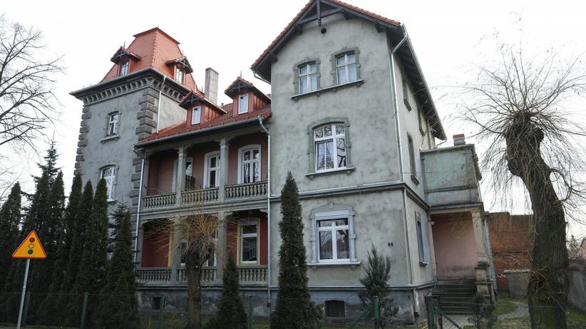 dom, w którym mieszkały rodziny