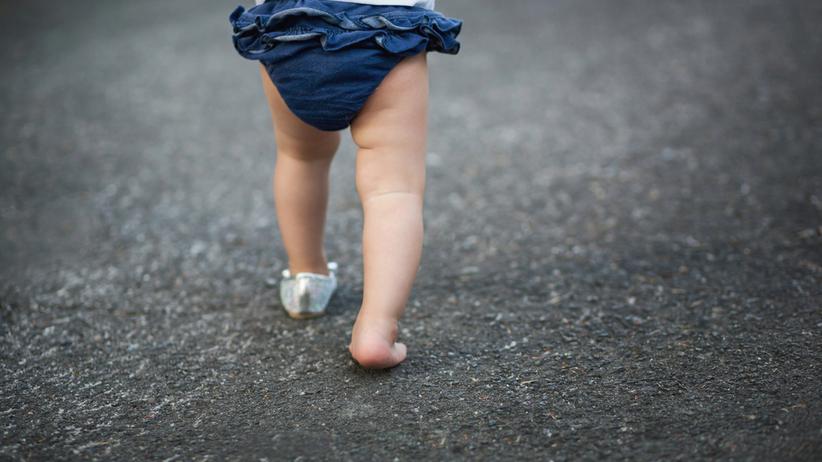4-letnie dziecko błąkało się w Skierniewicach w nocy