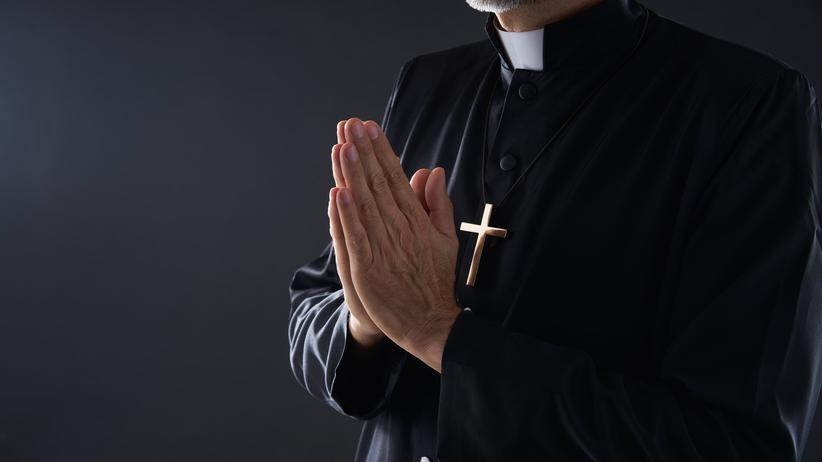 Ksiądz podejrzany o molestowanie seksualne ministrantów