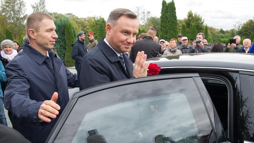 Stłuczka aut SOP. W środku Andrzej Duda