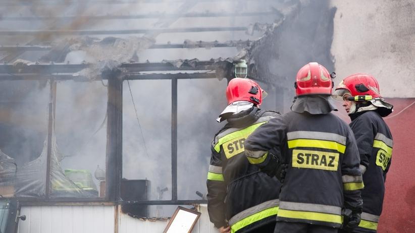 Straż pożarna, zadymione mieszkanie