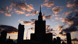 W całej Polsce zgasły światła. Wielki protest przeciw rządowi PiS