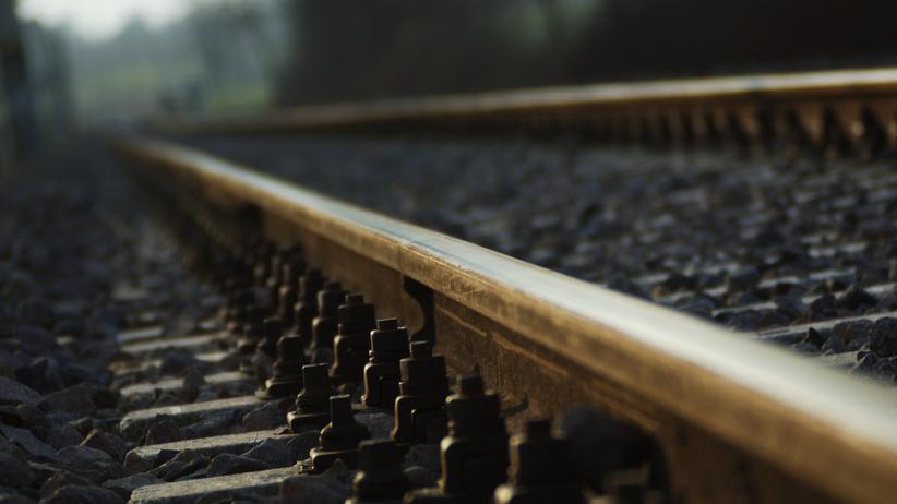 świebodzin pociąg potrącił kobietę