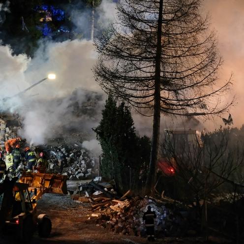 Szczyrk. Wybuch gazu Leszczynowa. Okoliczne budynki uszkodzone po eksplozji domu