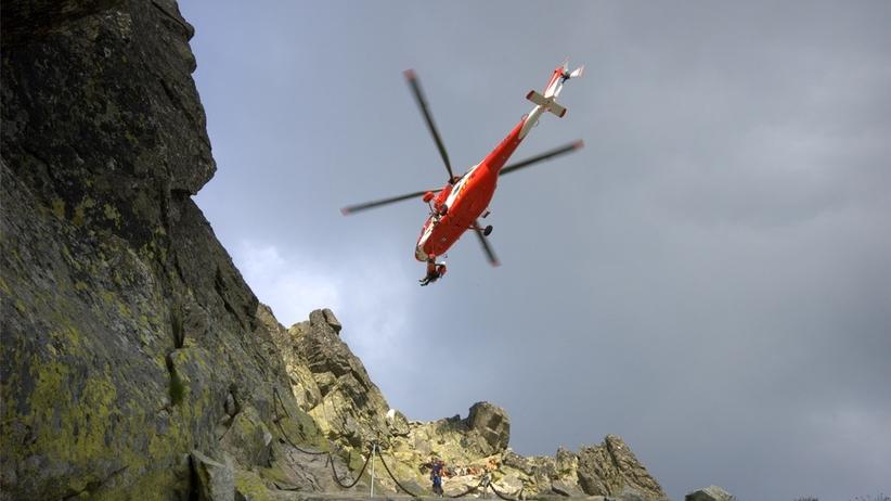 Wypadek w Tatrach. Śmigłowiec TOPR w akcji