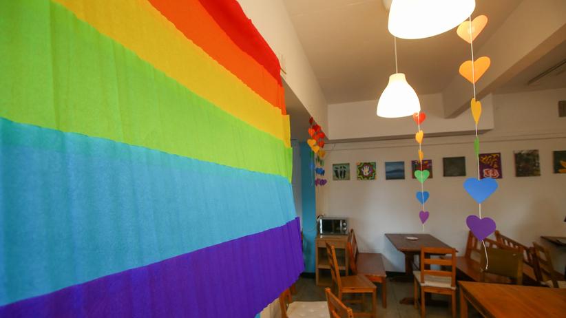 """Dziś """"Tęczowy piątek"""". Dzień wsparcia i solidarności z młodzieżą LGBT+"""