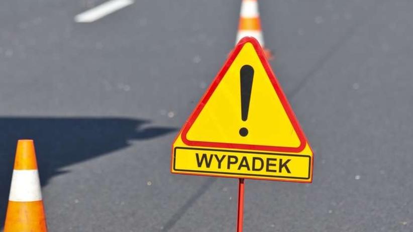 Tragedia na Lubelszczyźnie. Nie żyje jedna osoba, auto zderzyło się z dwiema ciężarówkami