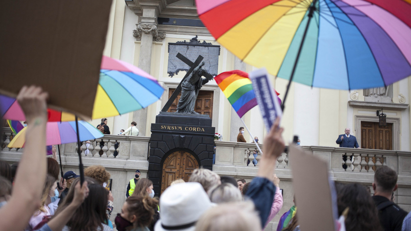 Stop LGBT, kościół wspiera Kaję Godek