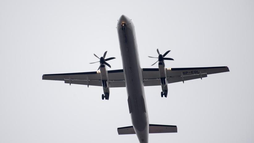 Awaryjne lądowanie na lotnisku w Warszawie. Na miejscu straż pożarna