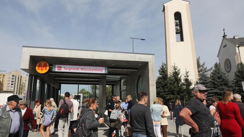 Nowe stacje metra otwarte. Mieszkańcy stolicy nie kryją radości