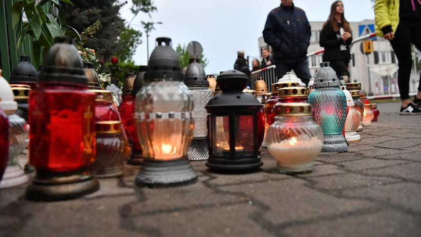Rozpoczął się pogrzeb nastolatka zasztyletowanego w Wawrze