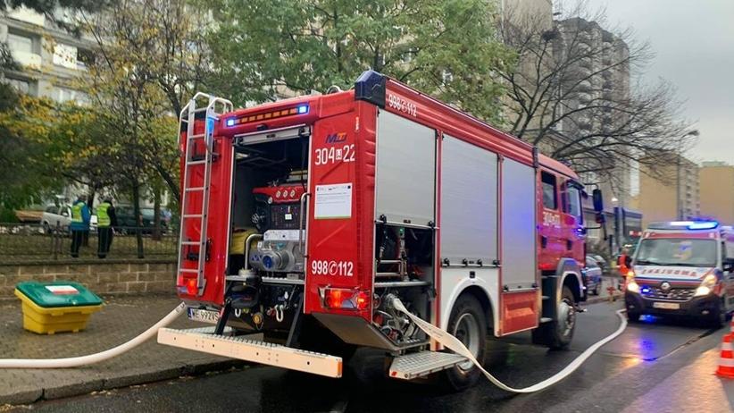 Pożar mieszkania w stolicy. Jedna osoba nie żyje, ewakuowano mieszkańców