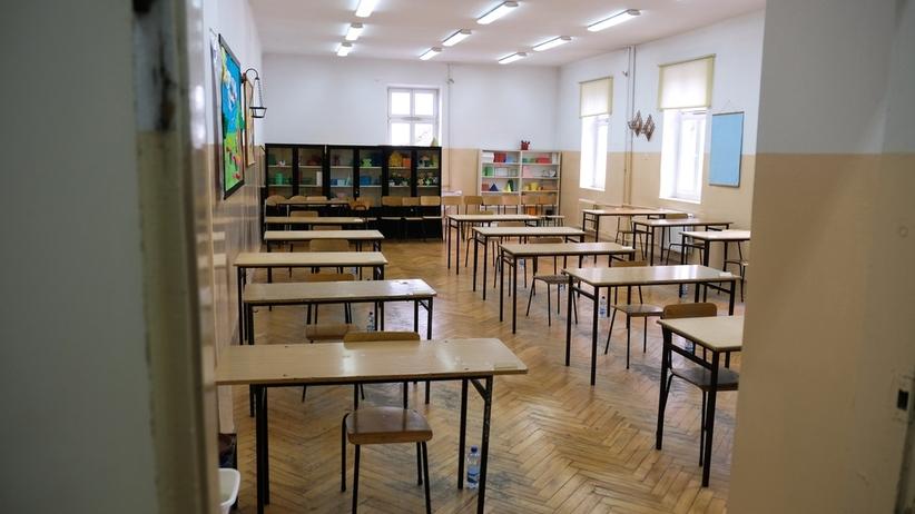 Warszawa. Szkoły skracają i odwołują lekcje przez pogodę i upał