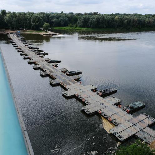 Awaria Czajki. Most pontonowy na Wiśle gotowy