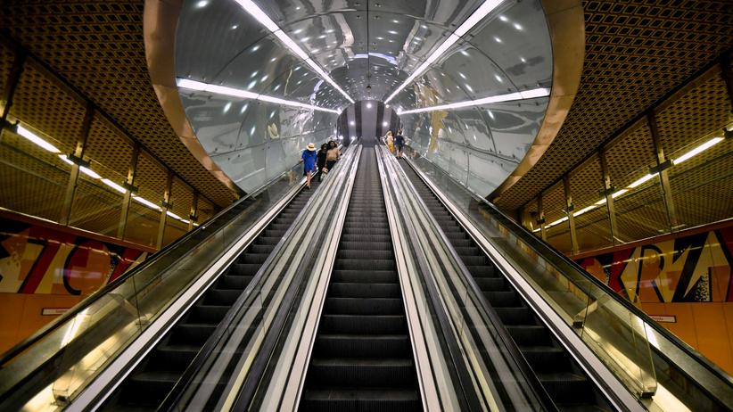 Awaria w metrze. Zamknięto łącznik między liniami M1 i M2