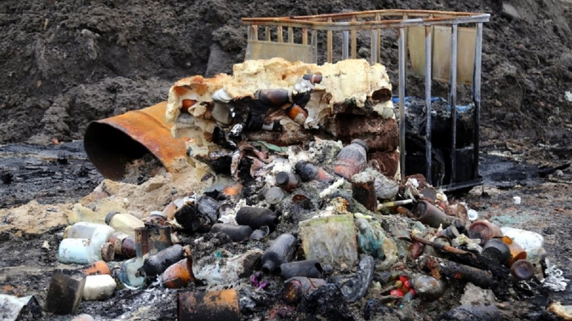 Wysypisko śmieci pod Wołominem