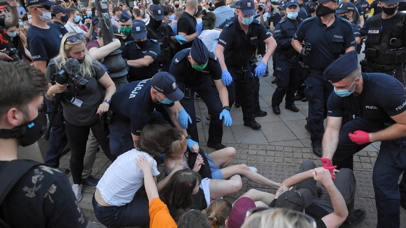 Policja protest LGBT