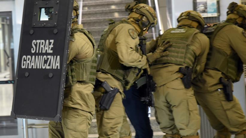 Poszukiwany przez Interpol 29-letni Czech schwytany na warszawskim Okęciu
