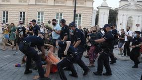 Protest aktywistów LGBT w Warszawie. Reporter Radia ZET powalony przez policję