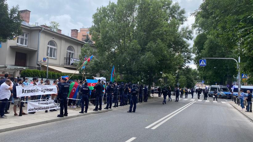 Protest pod ambasadą Azerbejdżanu