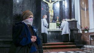 Koronawirus w kolejnym kościele. Ważna informacja dla wiernych