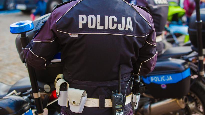 Atak nożem na policjanta