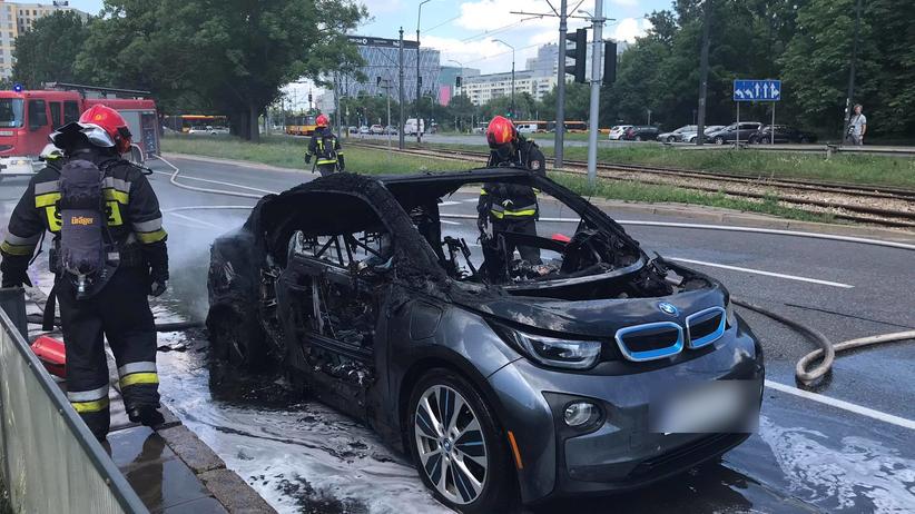 Na Puławskiej spaliło się BMW