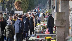 Zmiany na cmentarzach 1 listopada. Archidiecezja warszawska wydała komunikat