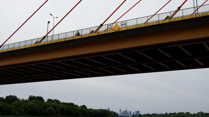 Zwłoki wyłowione z Wisły niedaleko mostu. Sprawą zajmuję się prokuratura