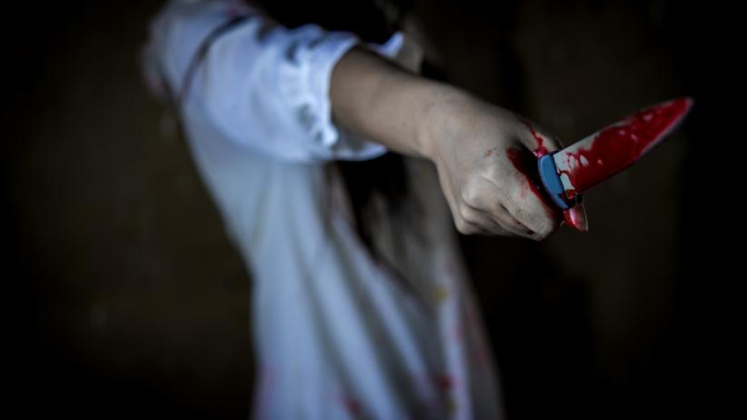 kobieta dźgnęła partnera nożem
