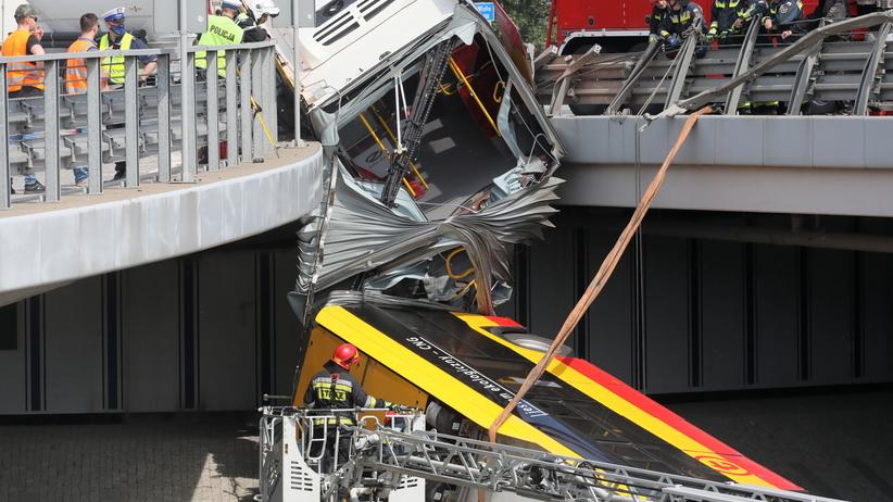 Wypadek autobusu w Warszawie. Kierowca był pod wpływem amfetaminy